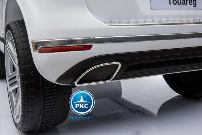 Coche electrico infantil Volkswagen Touareg Blanco con MP4 con asa de transporte