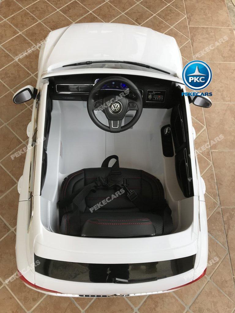 Coche electrico infantil Volkswagen Touareg Blanco con MP4 detalles del interior