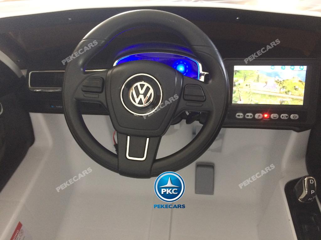 Coche electrico para niños Volkswagen Touareg Blanco con MP4 volante con musica y claxon