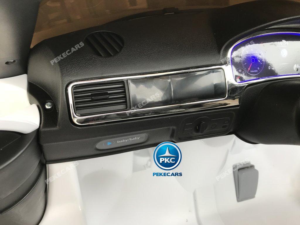 Coche electrico infantil Volkswagen Touareg Blanco con MP4 salpicadero
