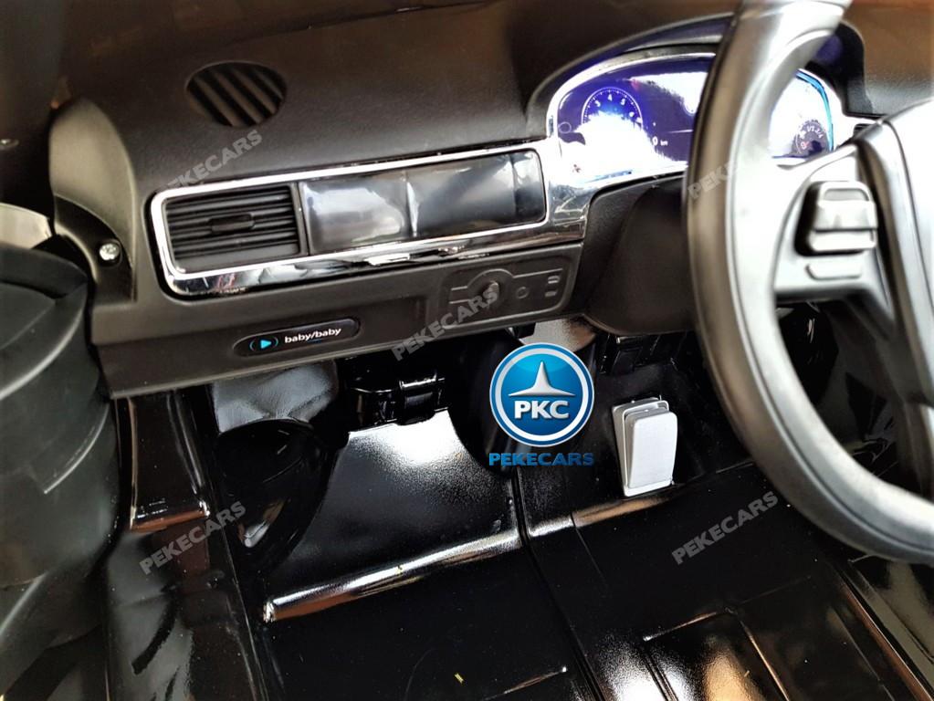 Coche electrico para niños Volkswagen Touareg MP4 Negro salpicadero