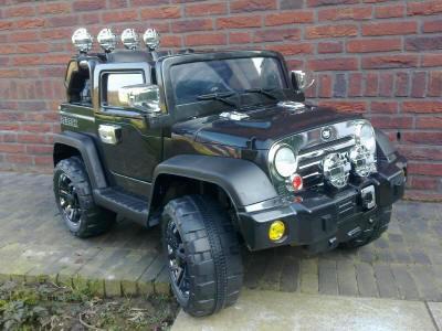Jeep wrangler syle para niños 12V con radiocontrol en negro Pekecars