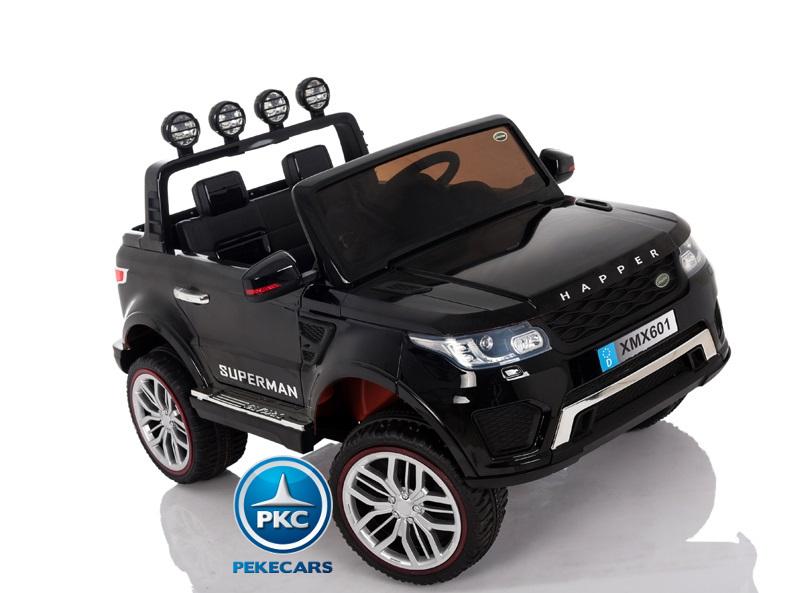 Coche electrico infantil Jeep Happer MP4 Negro en carretera