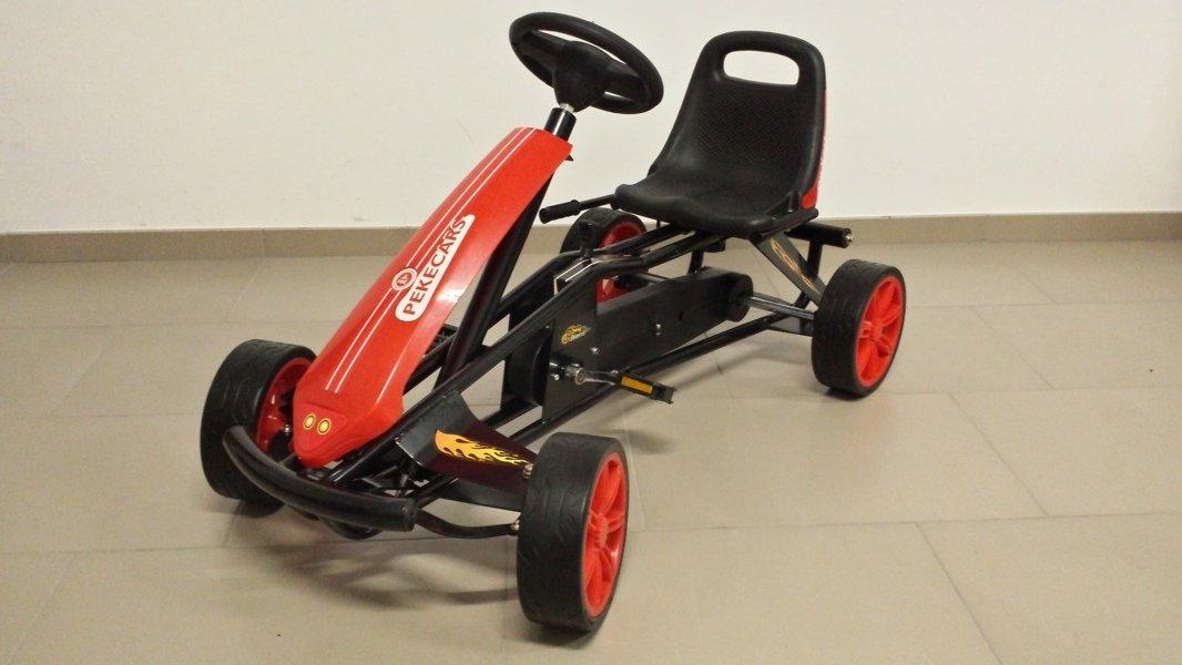 Kart a pedales GC004 Rojo con ruedas de caucho vista principal