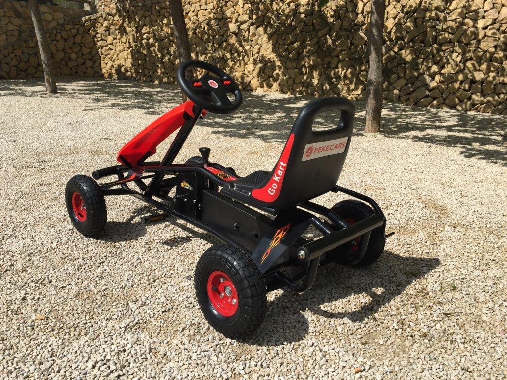 Kart a pedales GC004 Rojo con ruedas neumáticas