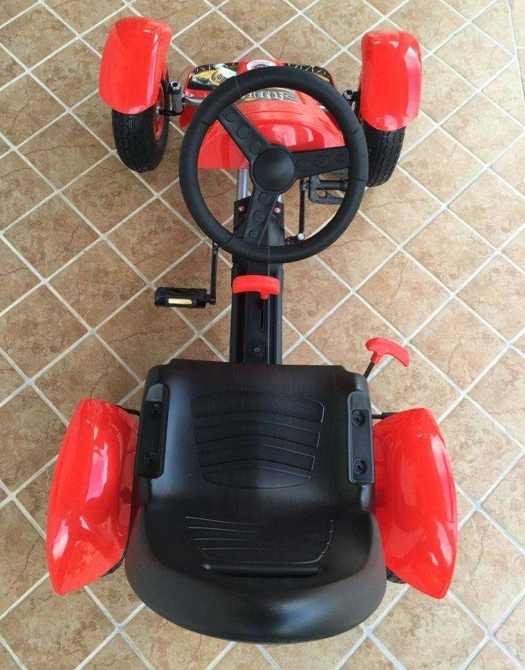 Kart a pedales Pekecars F618 Rojo visto desde arriba
