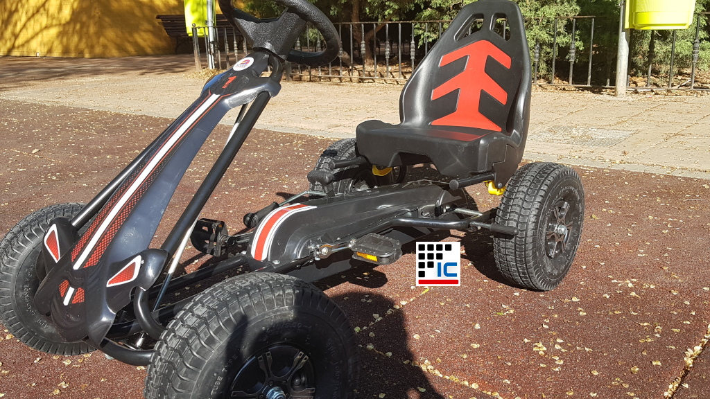 Kart a pedales Racing Car Volare Negro asiento