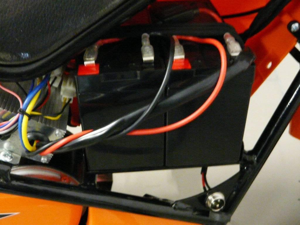 Moto electrica para niños Pekecars 24V 250W Verde baterias