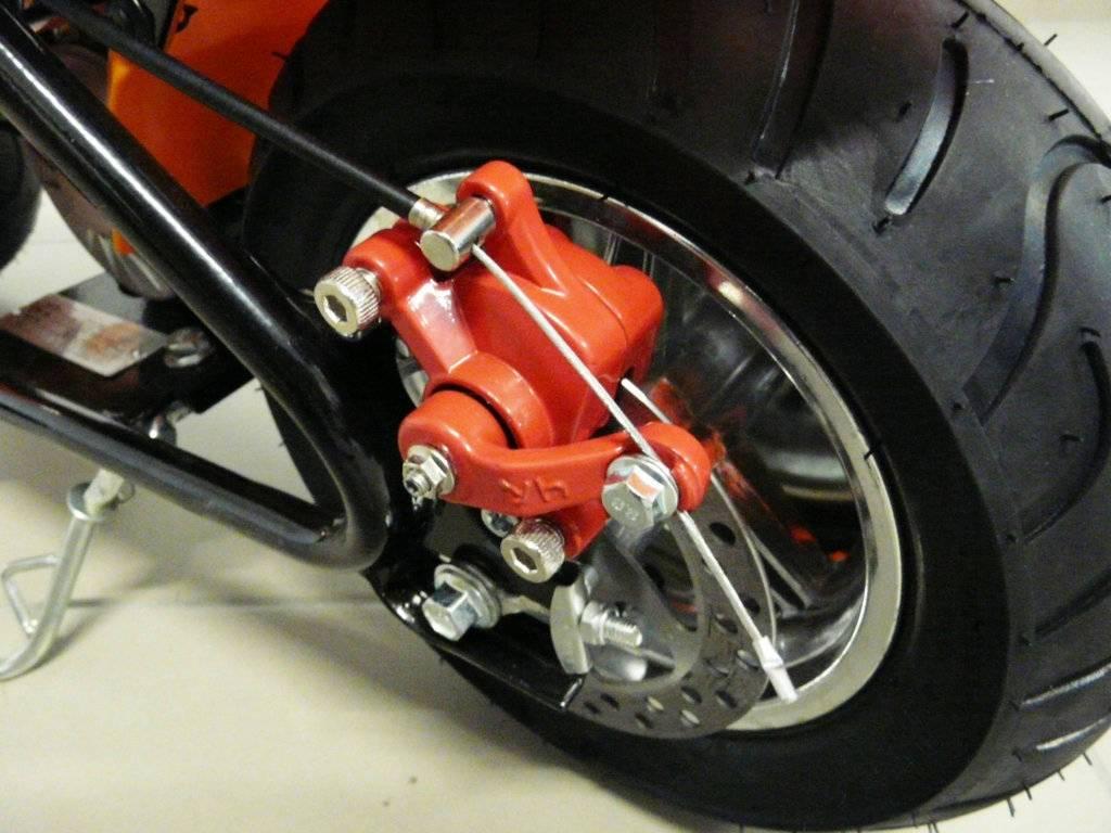 Moto electrica para niños Pekecars 24V 250W Rosa ruedas neumaticas