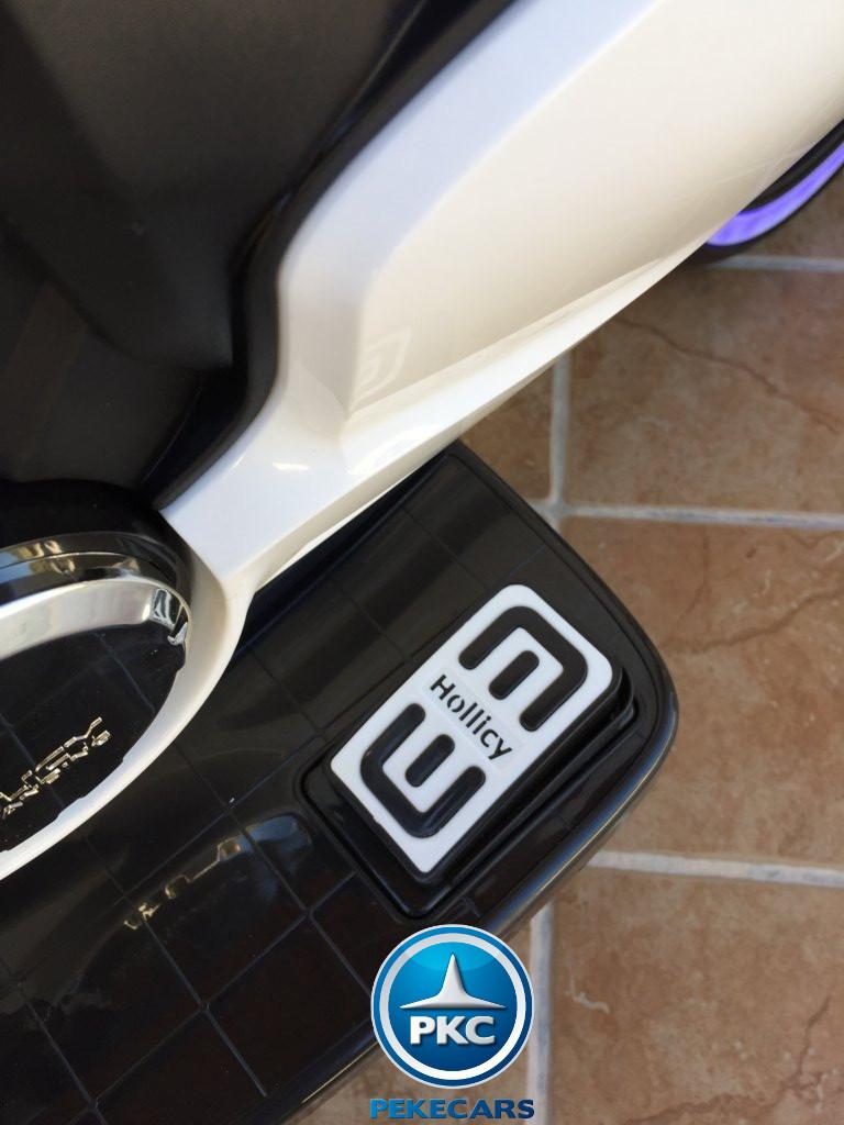 Moto electrica para niños Ducati Panigale Style Blanca acelerador en el pedal