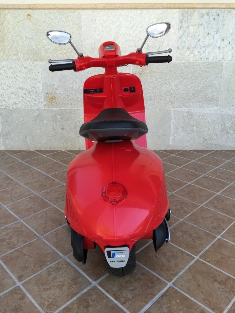Vespa style 12V Roja trasera