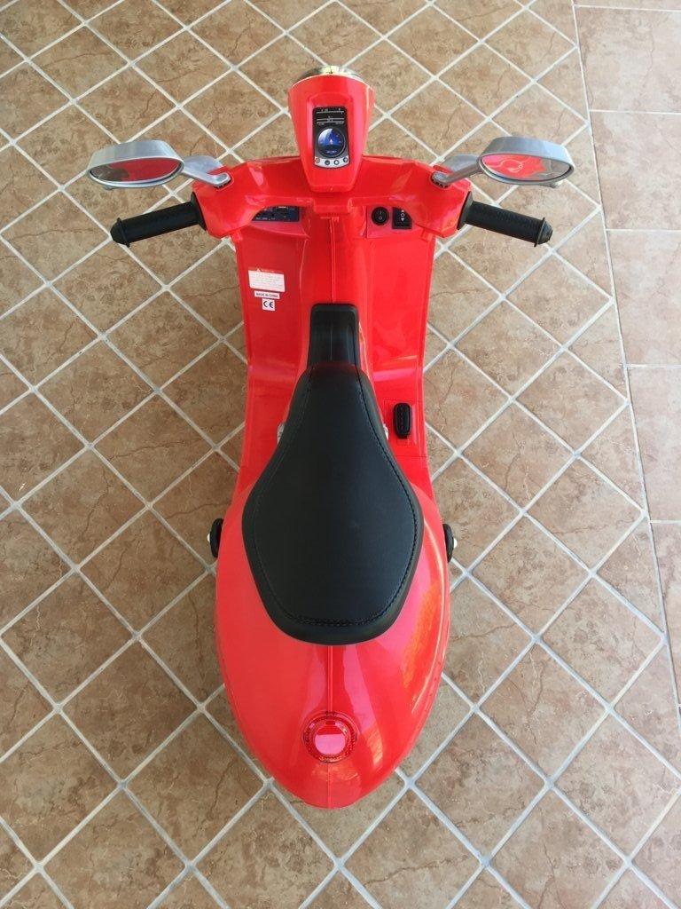 Vespa style 12V Roja asiento acolchado en piel