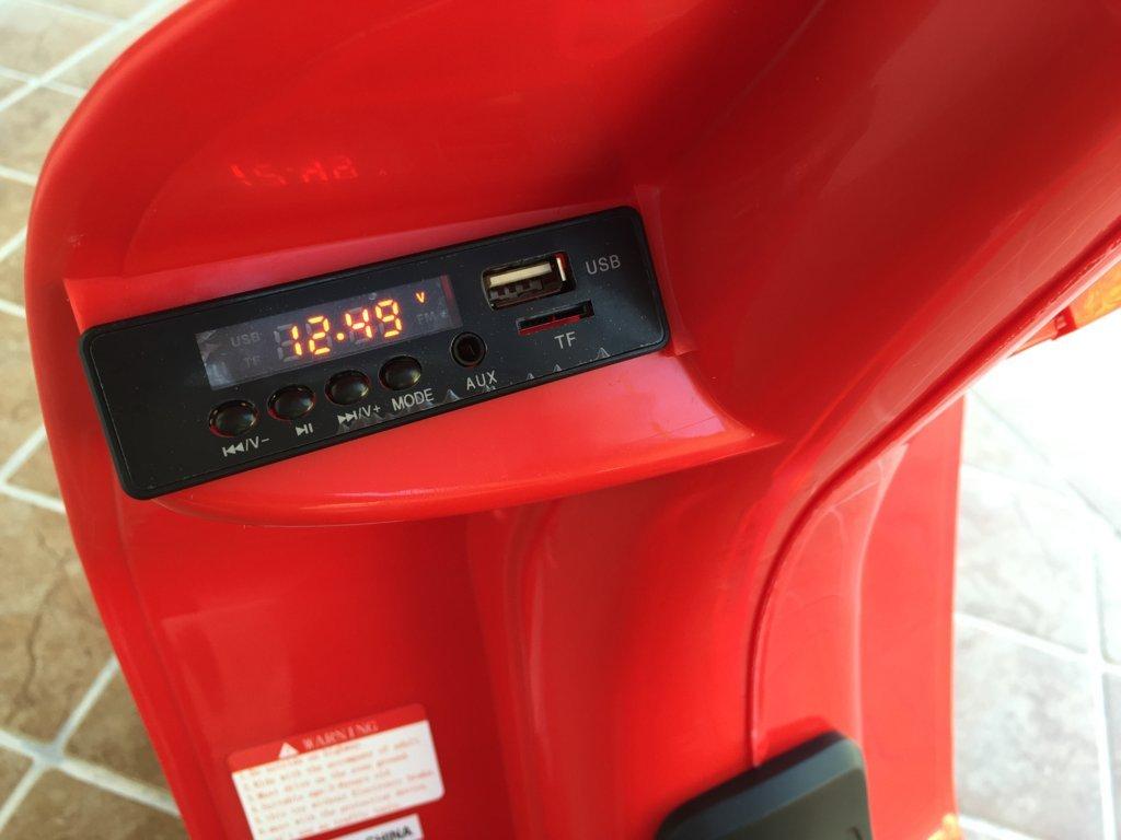 Vespa style 12V Roja display de sonido