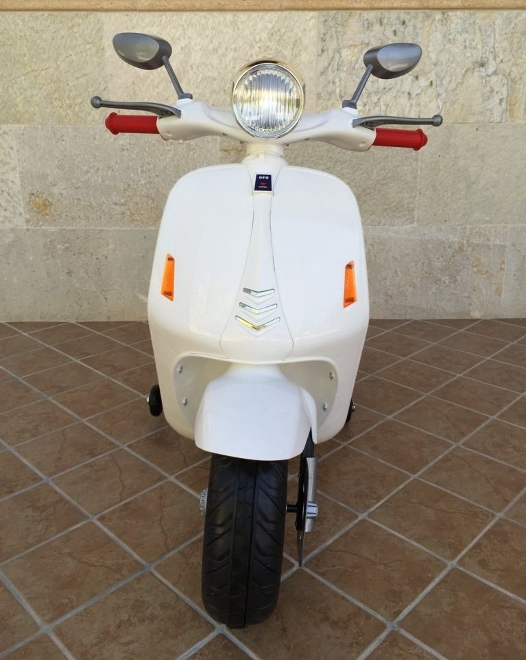 Vespa style 12V Blanca frontal