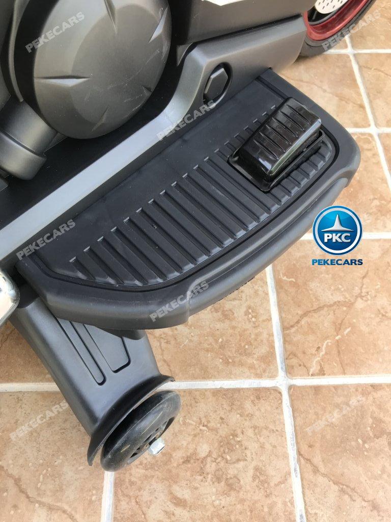 Moto electrica para niños BMW Style C 650 GT 12V Blanca pedal acelerador