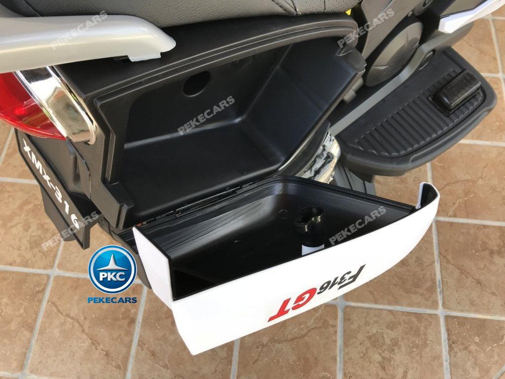 Moto electrica para niños BMW Style C 650 GT 12V Blanca maletero