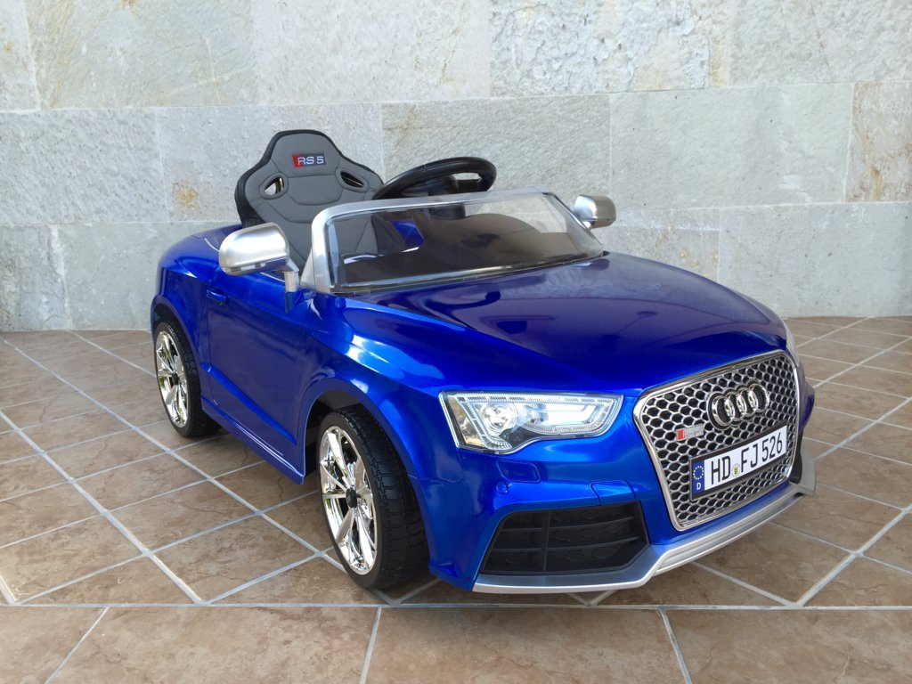 Audi Rs5 azul frontal ladeado