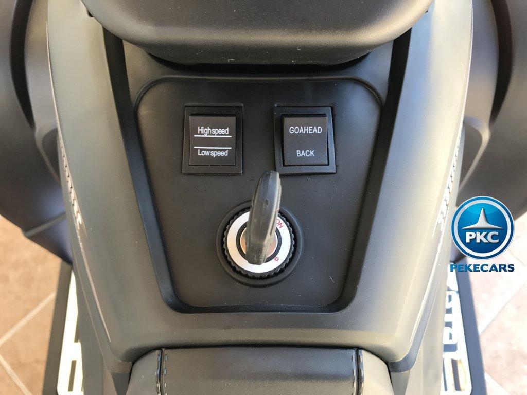 Quad Eléctrico Infantil Giga Quad 12V Blanco llave de arranque