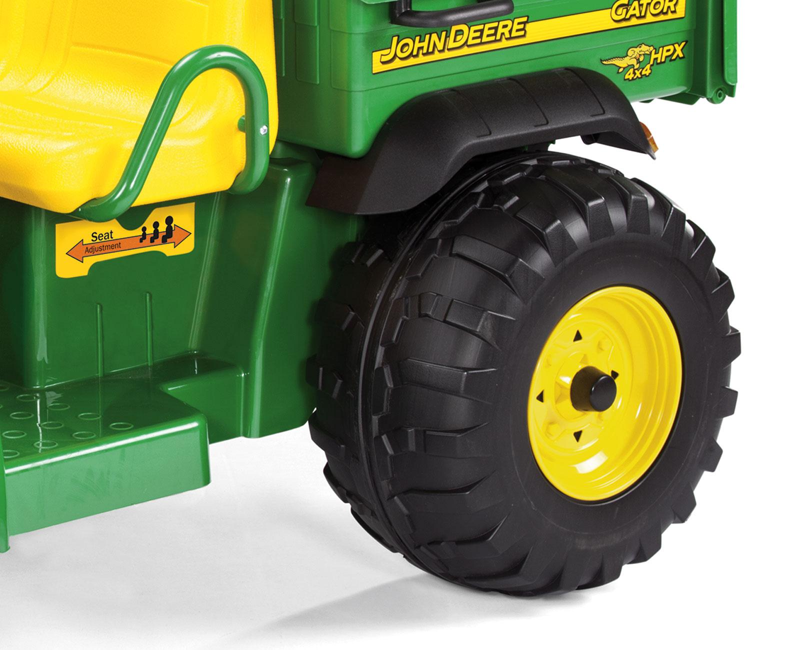 Tractor Camioneta JD Gator 12V detalle ruedas de foam